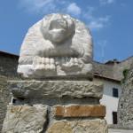 Cortile - Balaustra con leone in pietra